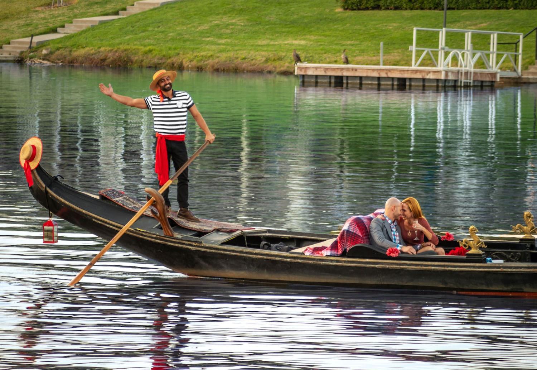 Anniversary Boat Cruise | Black Swan Gondola