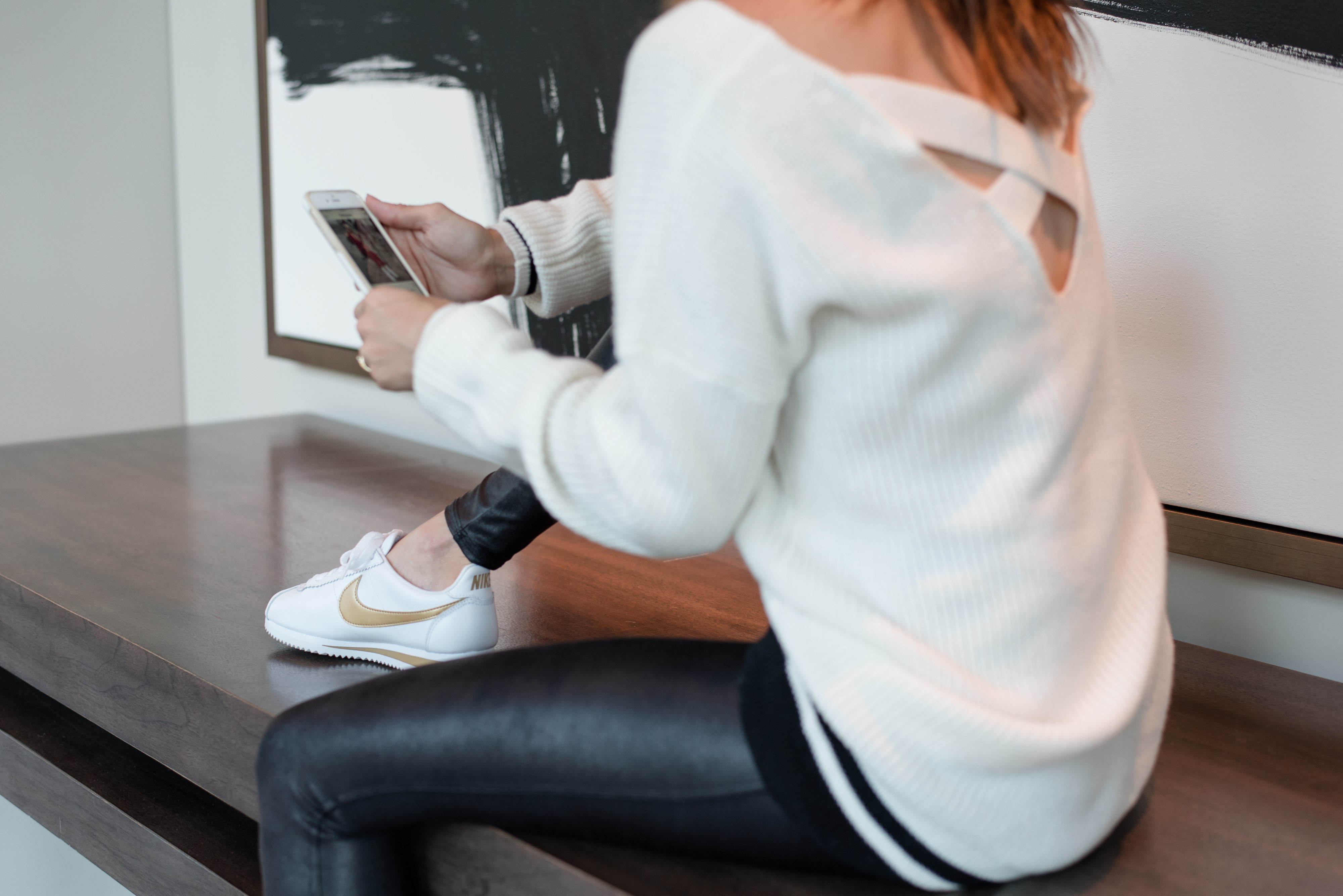 leggings, pants, faux leather, spanx, fall fashion, sweater, criss cross, details, knit, casual, everyday style, method39,