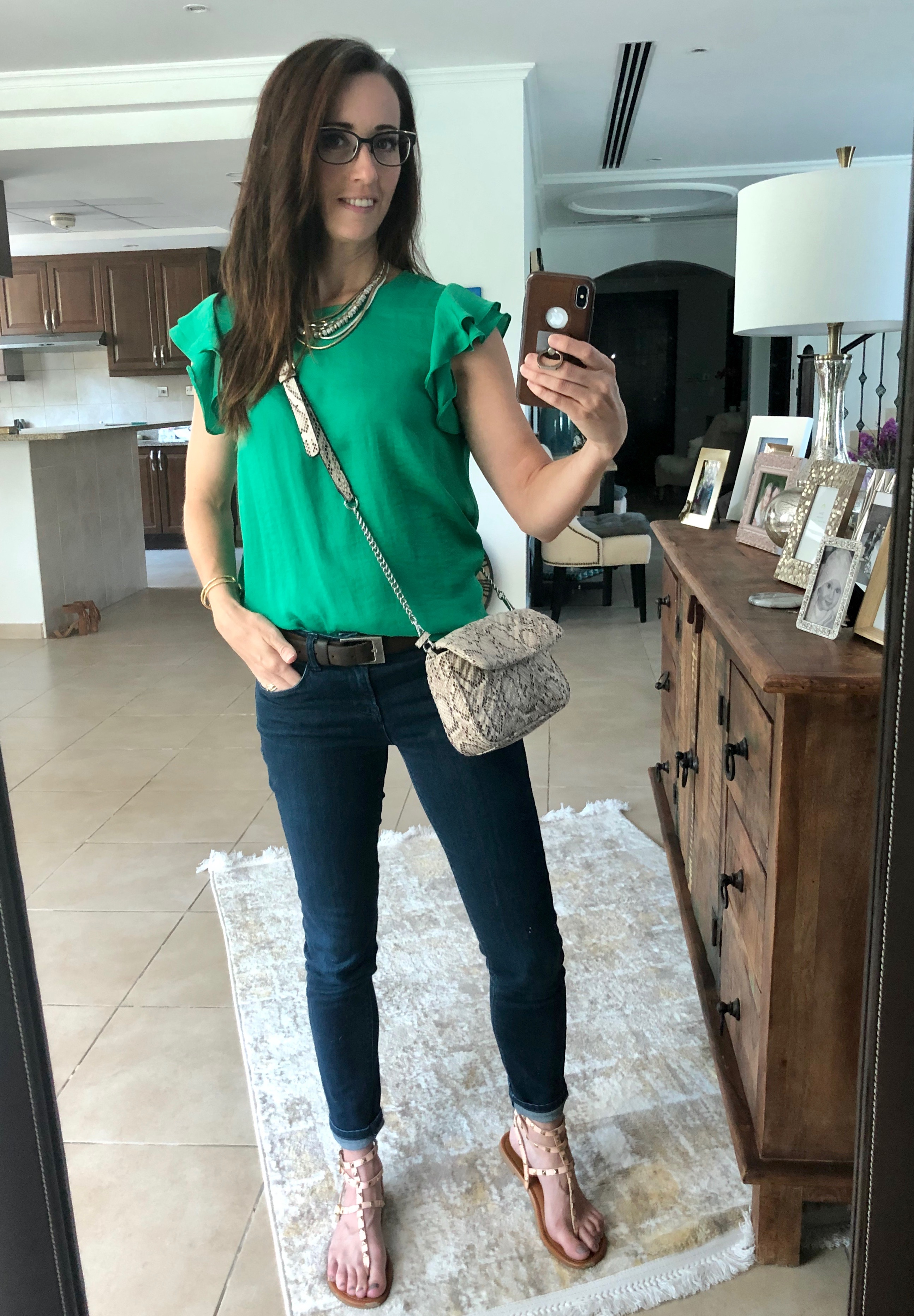 front tuck, style, tips, method39, before and after, how to front tuck, stylist, style advisor, get dressed