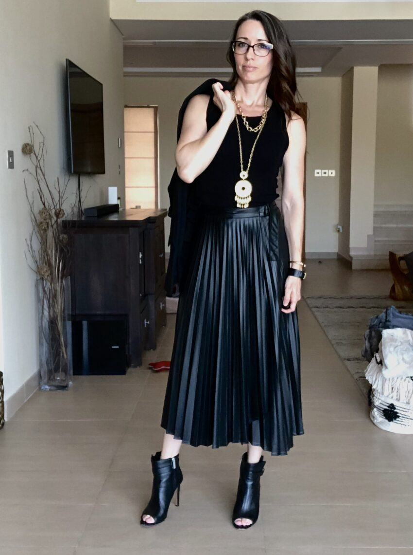 faux, leather, pleated, skirt, versatility, three ways, wear it, dressy, casual, method39, style advice, style blogger, find your style, method to style