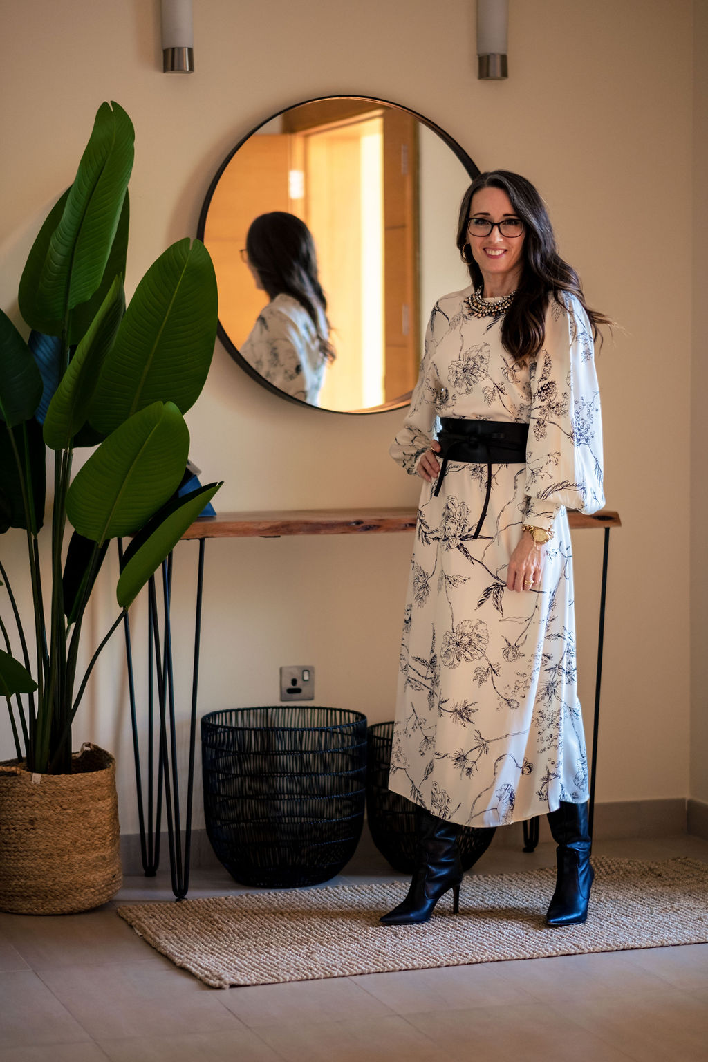 Method39, method to style, one dress three ways, versatility, style advice, details, ecru, cream, floral print, belt, modest style, cuffs, buttons, black boots, heels, photoshoot