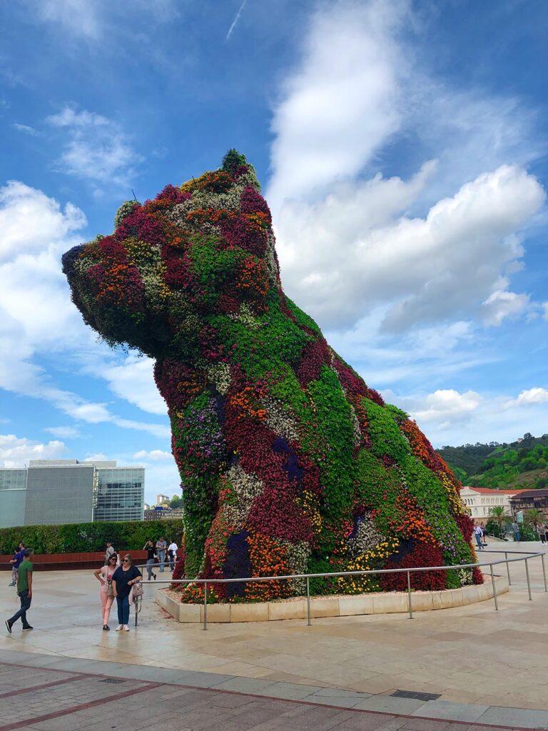 "A flower garden or a ""Puppy""? by Jeff Koons, outside Guggenheim Museum, Bilbao"