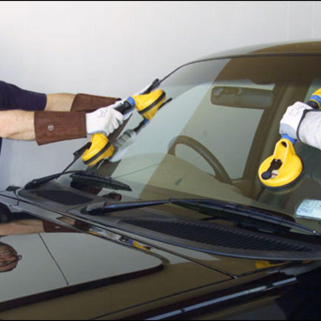 Action 9 investigates door-to-door auto glass repair companies