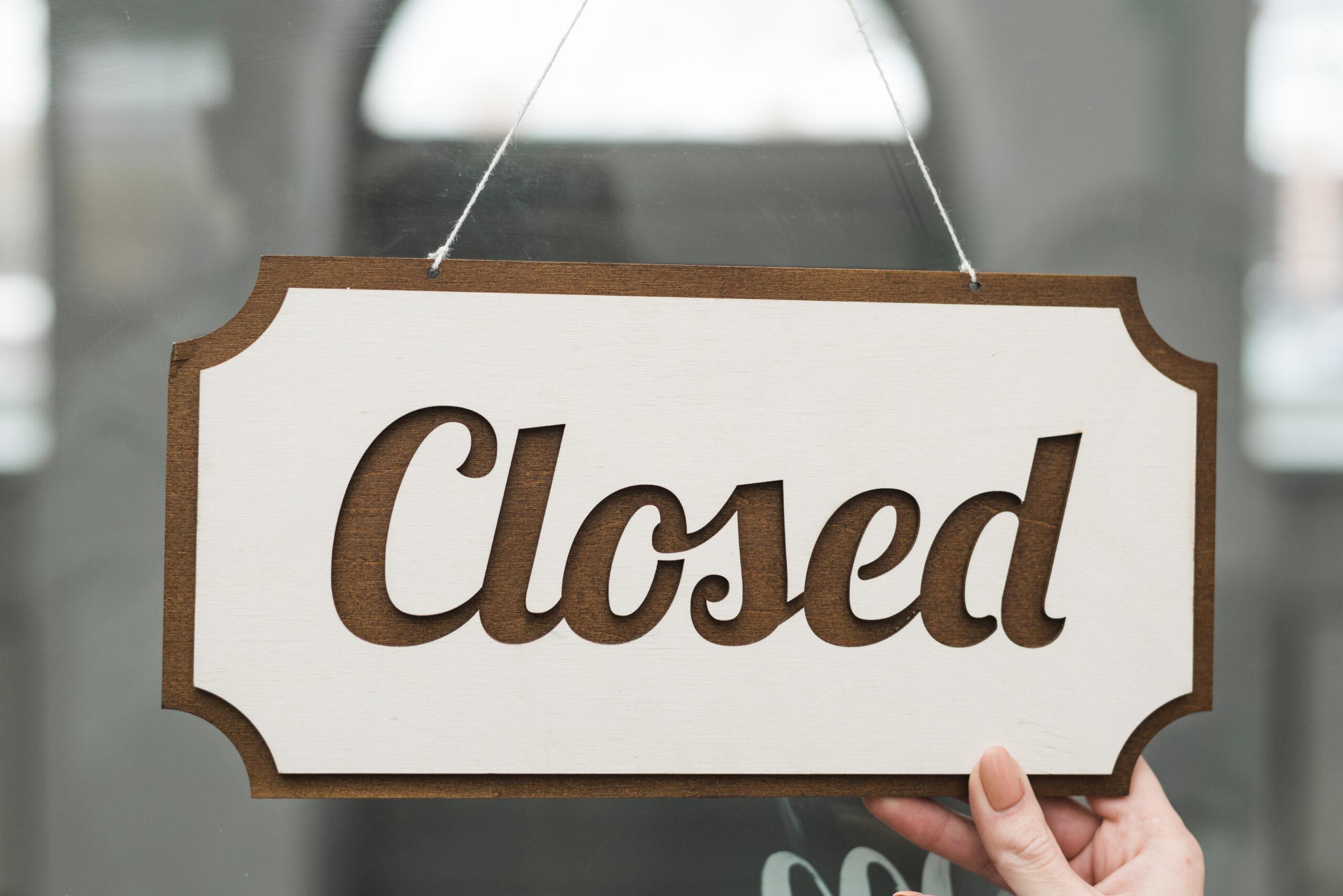 Business income miami florida closed sign