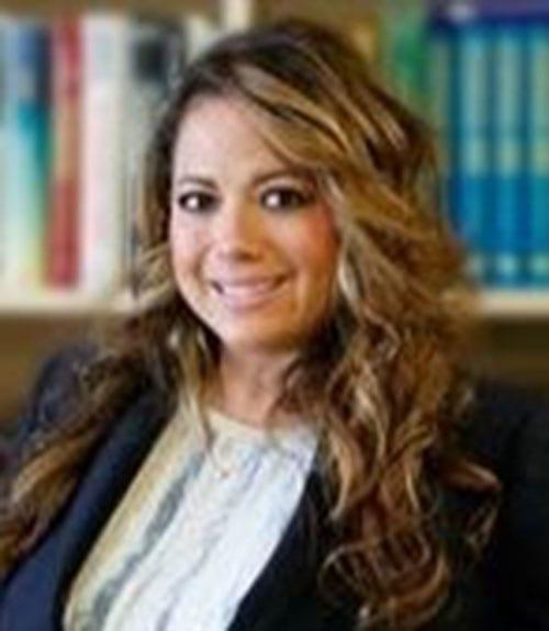 Julie Ayala Stephens headshot