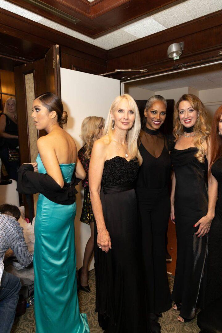 NYFW (MOP) models backstage_