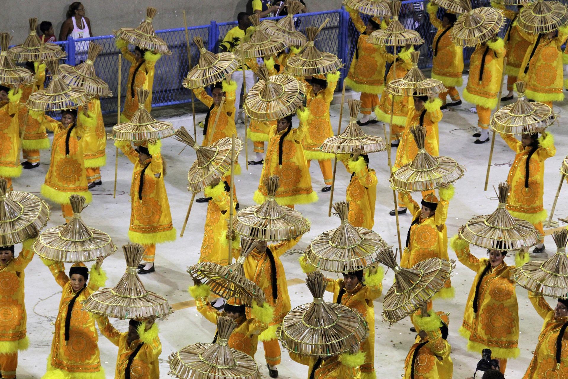 rio-carnival-1084648_1920