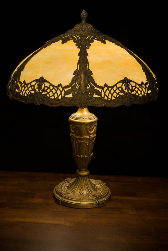 How to photograph a lamp