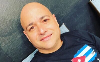 Andy Vazquez conmueve a seguidores con emotivo video junto a su hija y esposa.