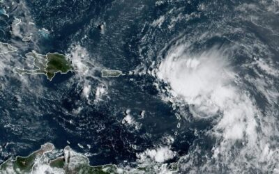 Tormenta Tropical Laura amenaza a Florida