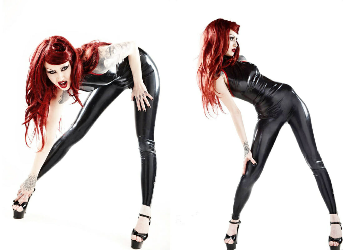 Shelly d'Inferno in Black Latex