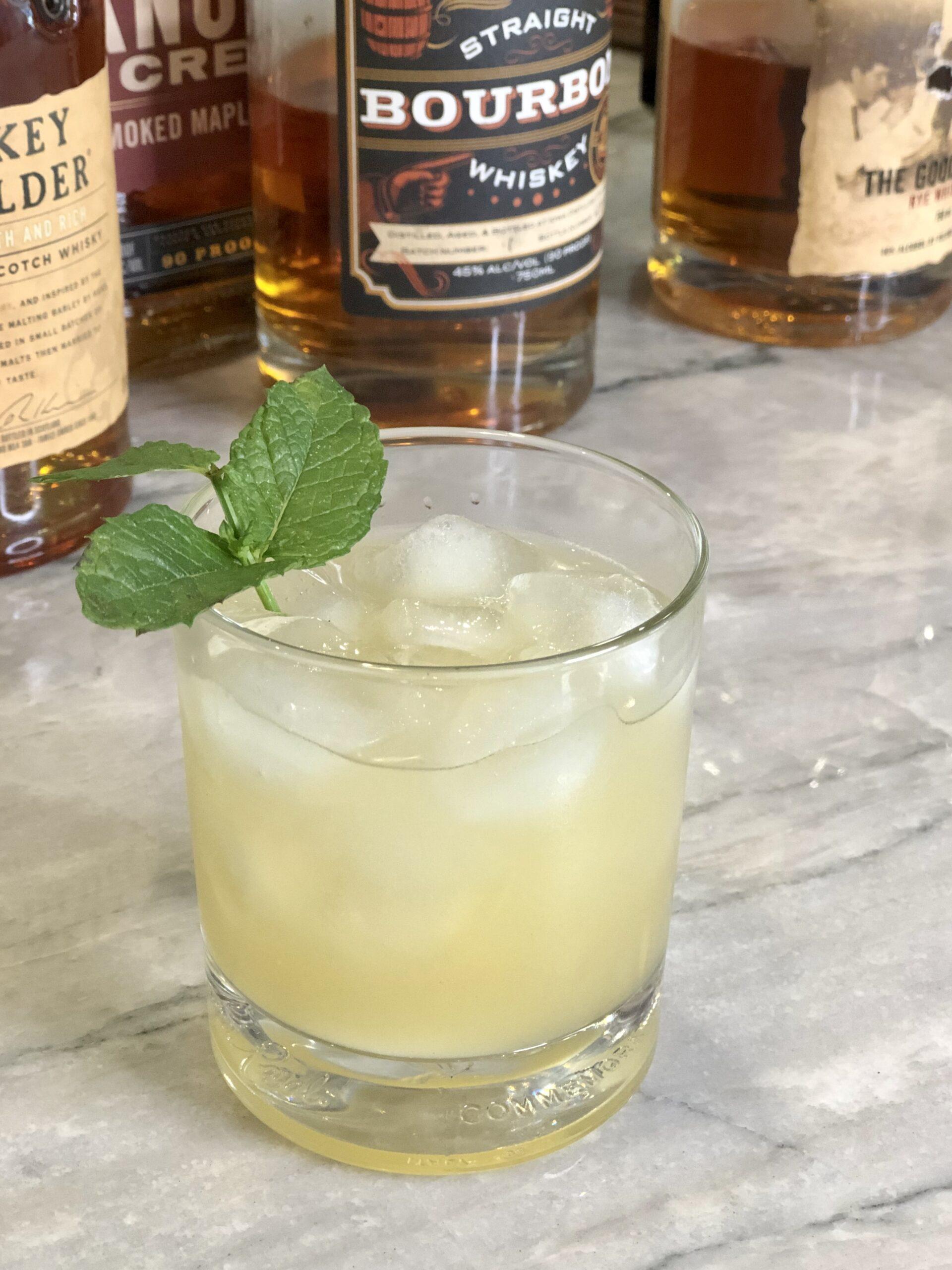 Whiskey Smash Whiskey Cocktail