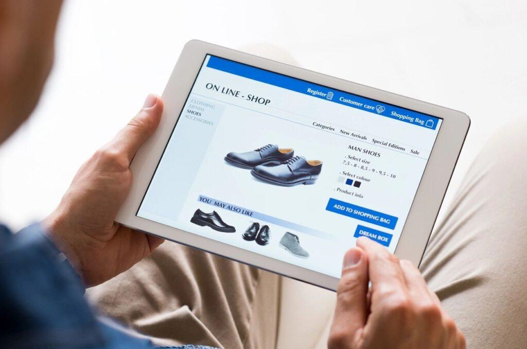 Men Shopping Online