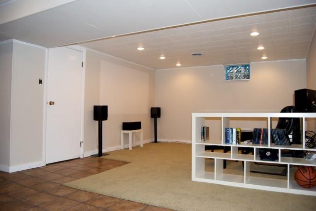 basement-screen-side