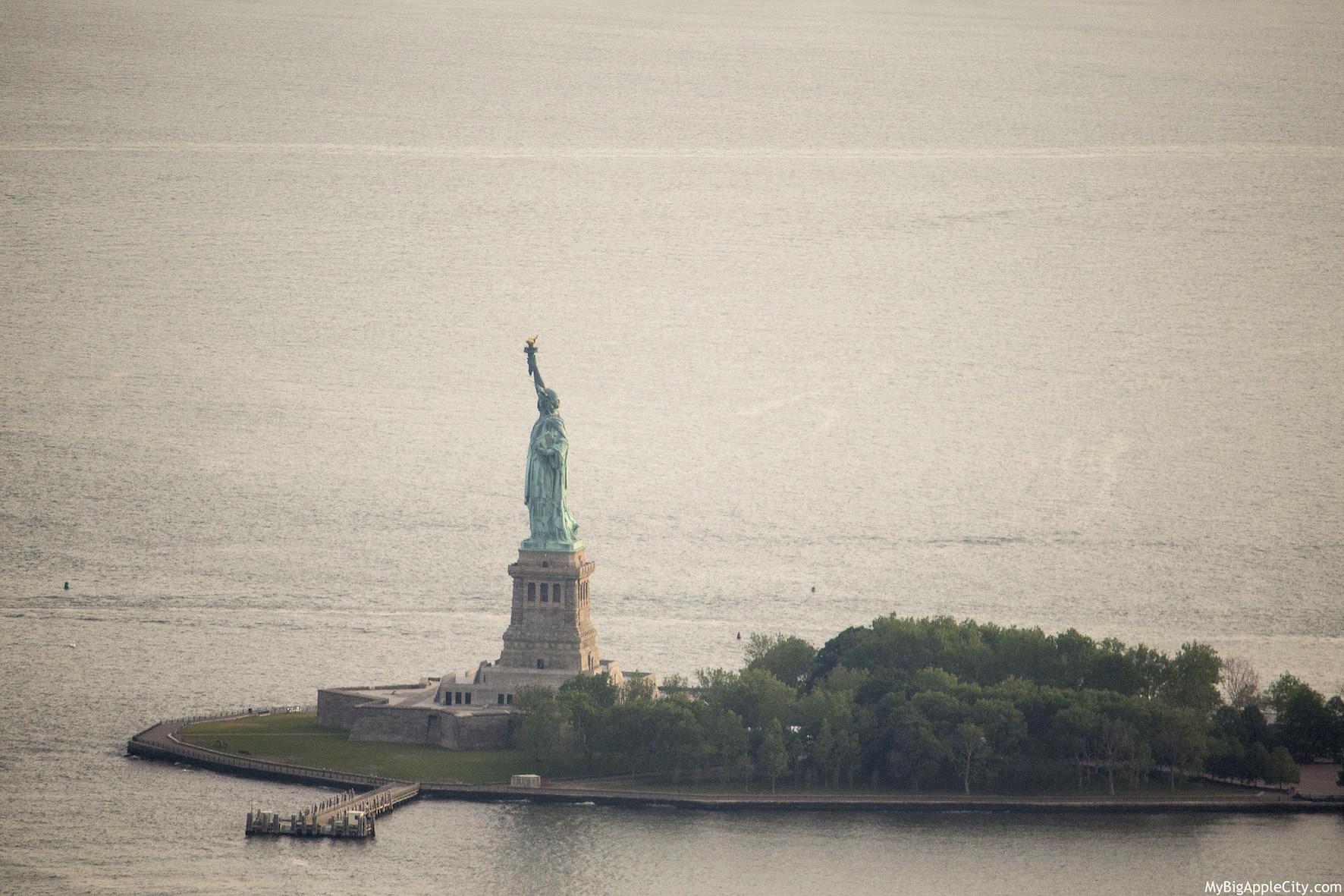 Liberty-Island-One-WTC-visit-New-York-MyBigAppleCity
