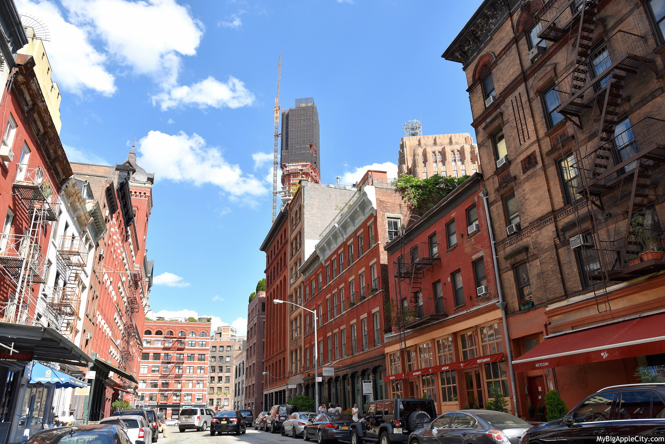 Tribeca-nyc-manhattan-street-building-travel-blogger