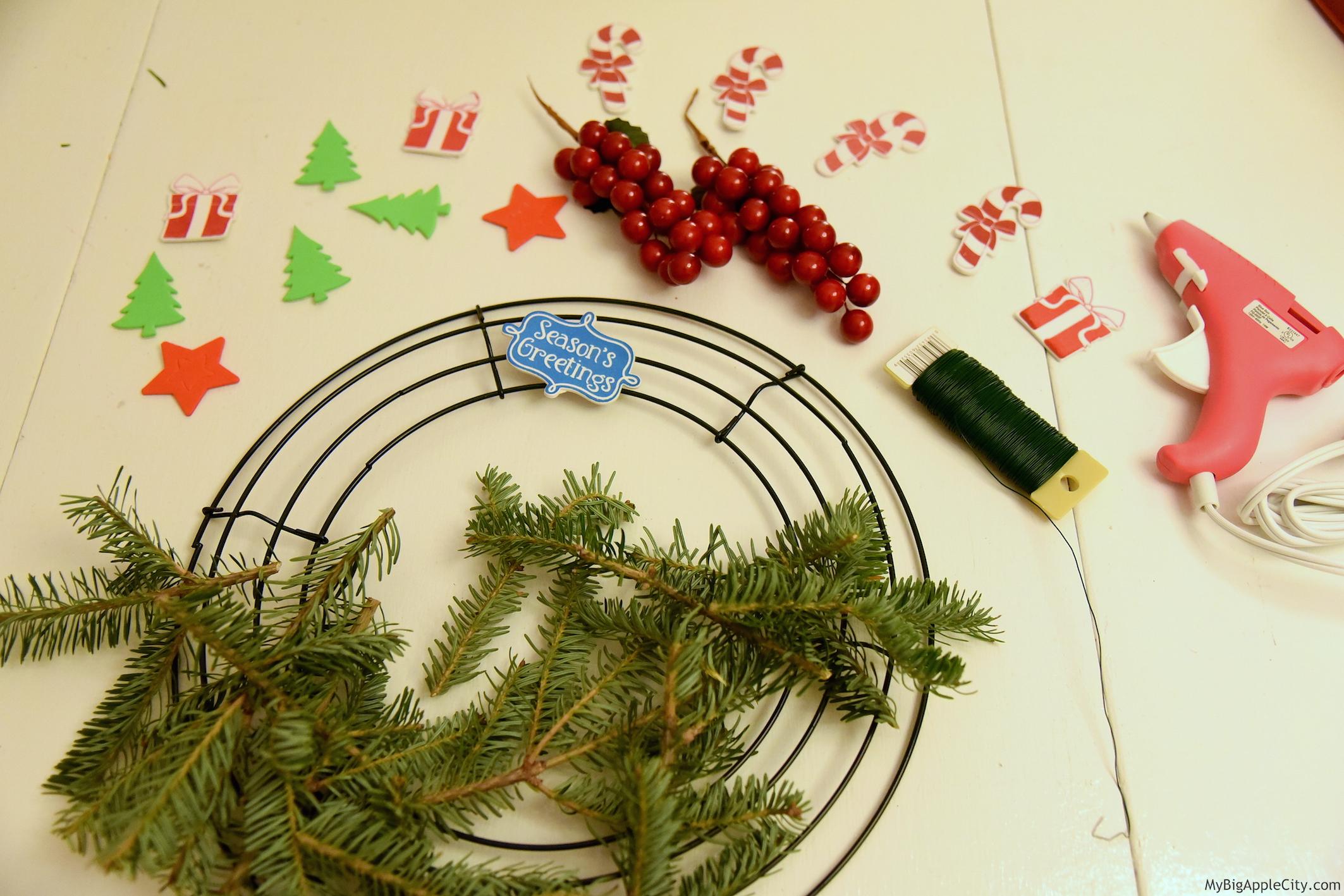 DIY-Christmas-Wreath-Lifestyle-Blogger-NYC-MyBigAppleCity