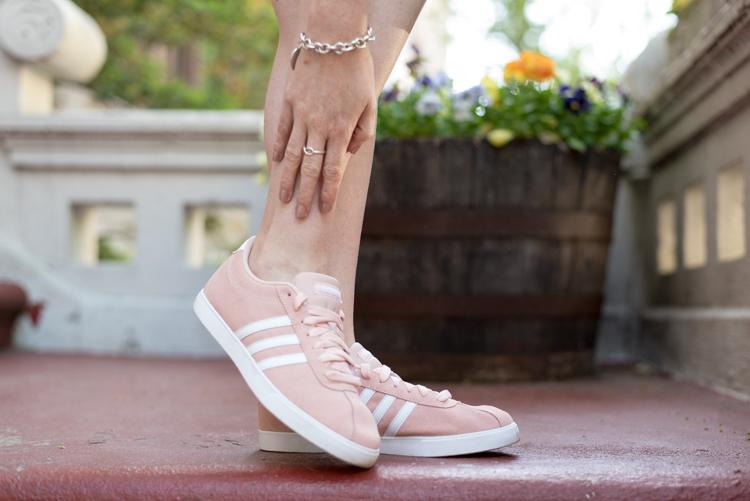 Adidas neo Fashion blogger New York style