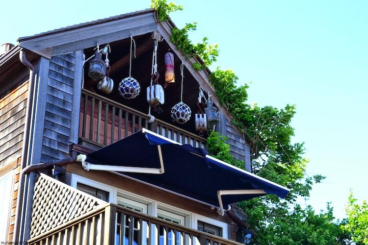Martha's-Vineyard-beach-house-travel