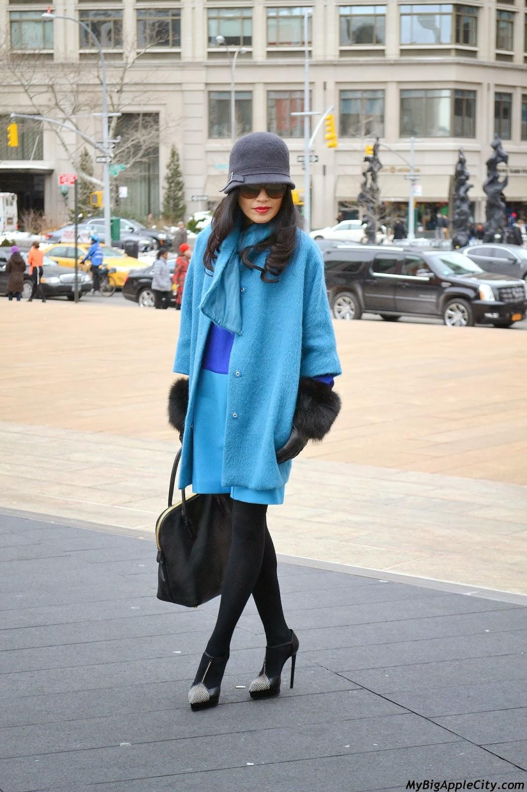 new-york-fashion-week-streetstyle-coat-blue