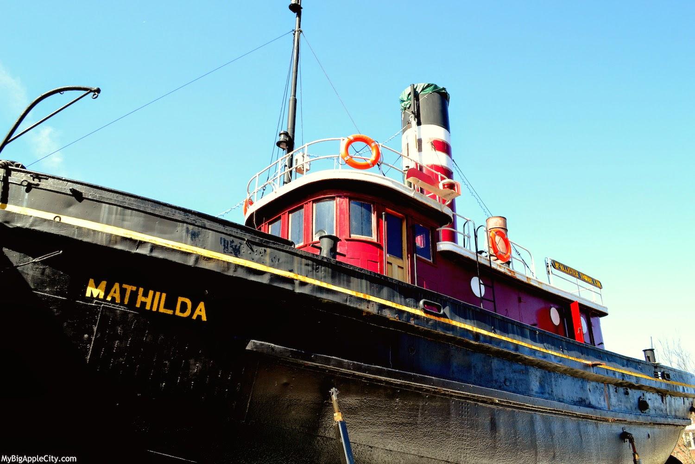 kingston-waterfront-boat-ny-hudson