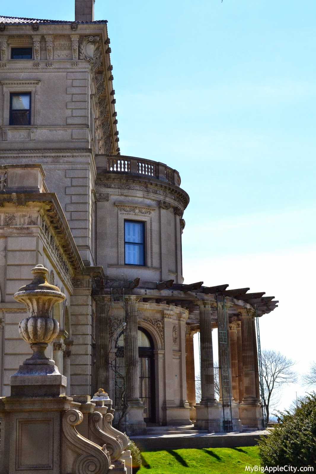 The-breakers-newport-mansions
