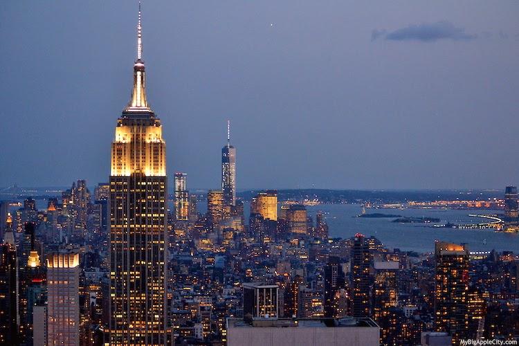 manhattan-skyline-by-night-new-york-travel