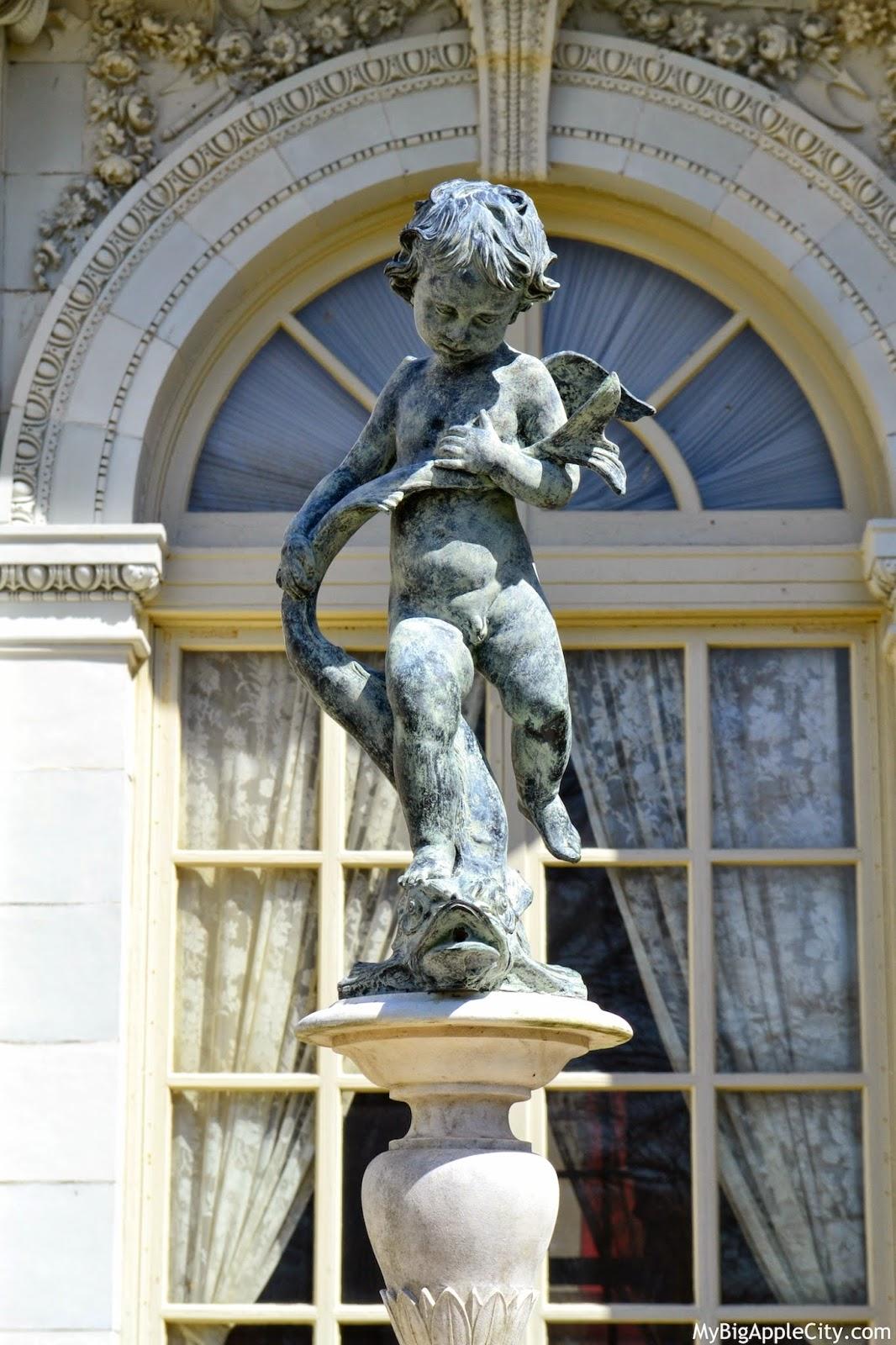 visit-newport-mansions-vanderbilt