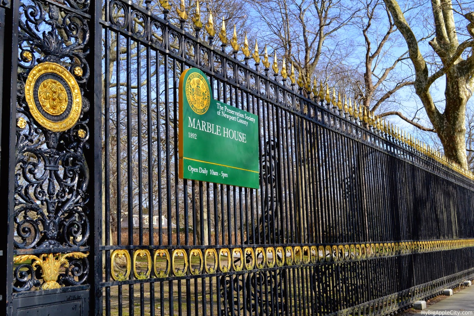 marble-house-newport-gate