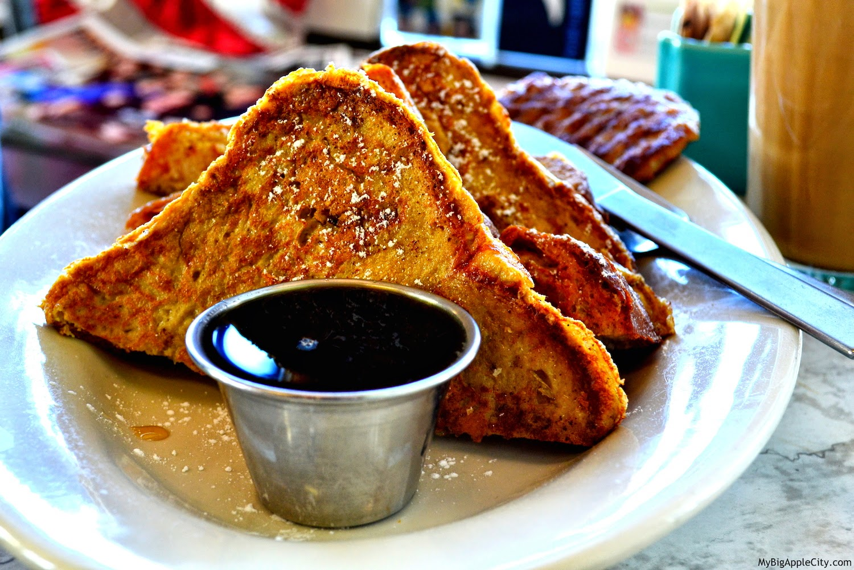 dominicks-cafe-breakfast-kingston-ny