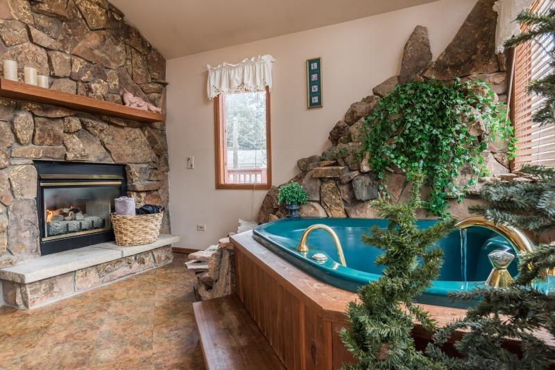 Estes Park - Love Nest Cabin
