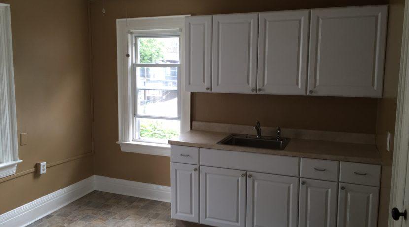 Avondale 2 kitchen 2