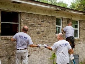 Majors Crew installing new windows