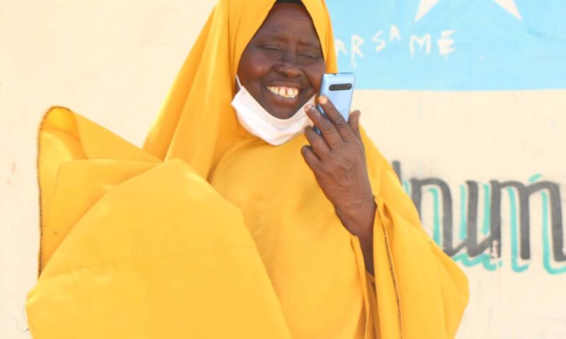 Mobile money transfers support vulnerable families in Somalia