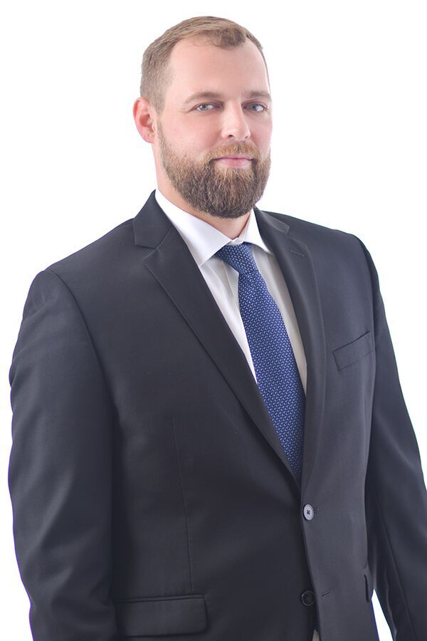 Luke Neuville - Criminal Defense Attorney