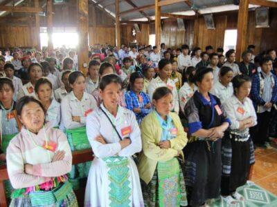 Hmong en misa