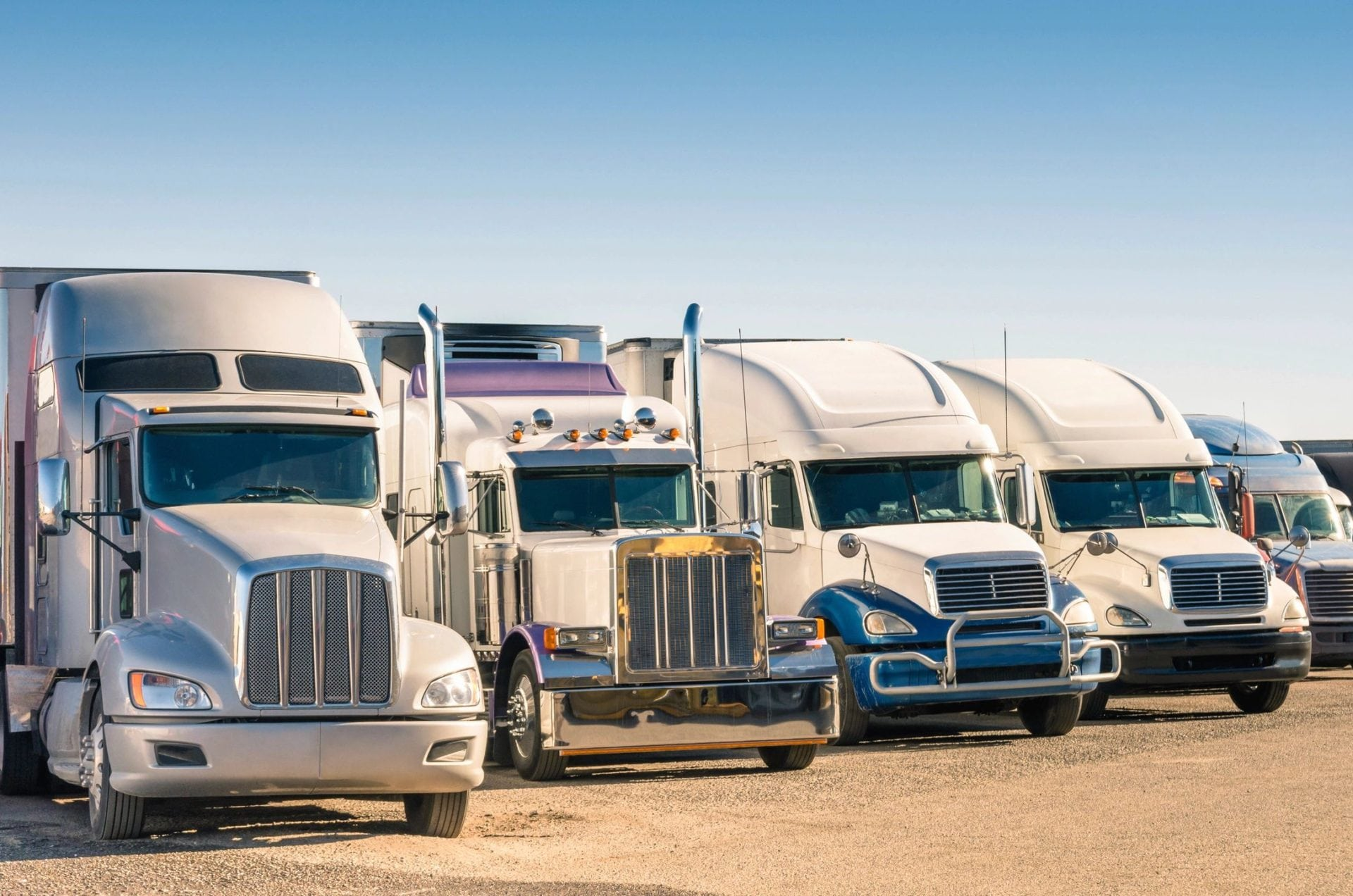 Semi trucks that have been in a commercial vehicle accident in Metairie, LA
