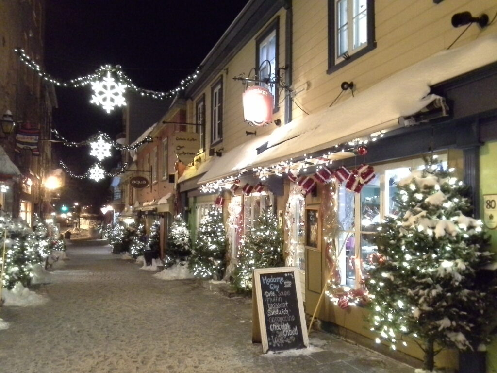 street in Québec, Petit Champlain, at Christmas time