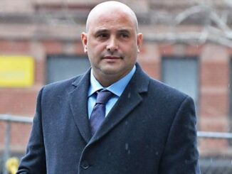 It is not easy to tell who Kim Carton is from the pictures on the Internet. However, this is her ex Craig Carton