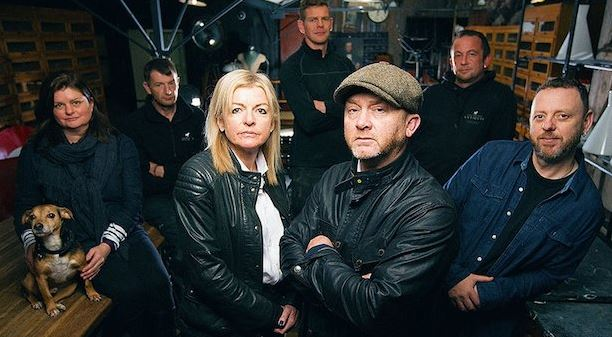 Rebecca Pritchard and co-host Drew Pritchard (in the middle) with the rest of Salvage Hunters' cast members