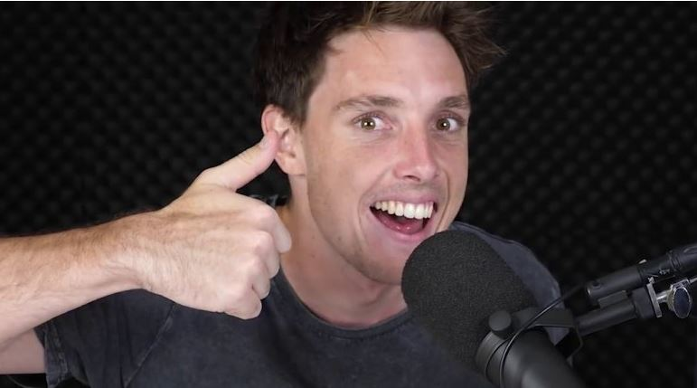 Lazarbeam during one of his shows