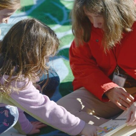 sila reading to children
