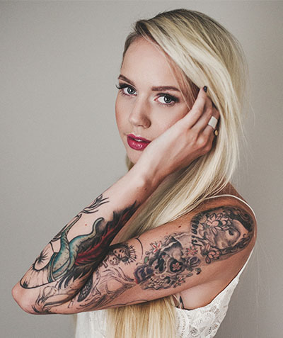 HOW DOES TATTOO REMOVAL WORK?