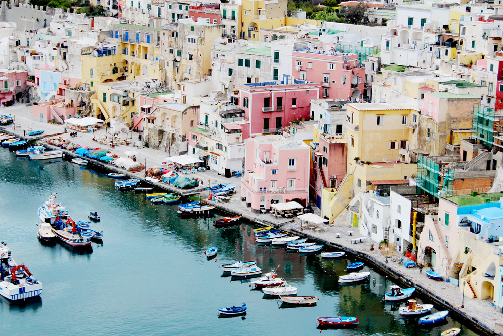italy proceed island naples wave provocateur