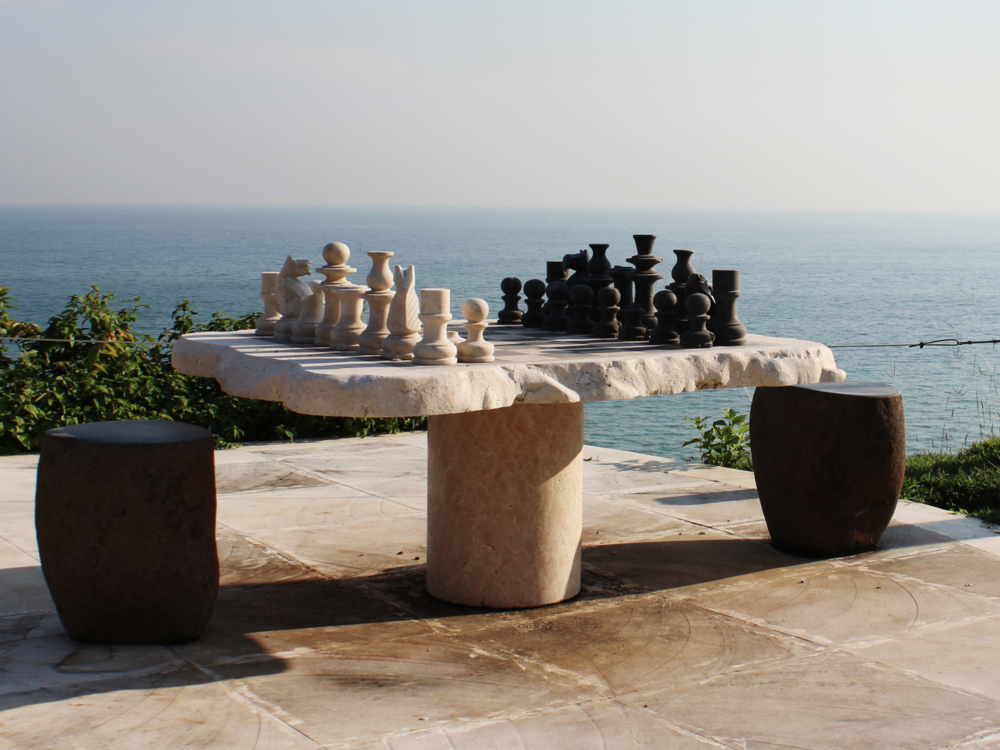 cliffside chess game la joy biu biu bali