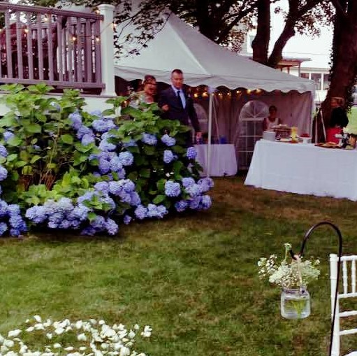 personal chef. caterer. local. farm fresh. Rhode Island. Massachusetts. garden wedding.