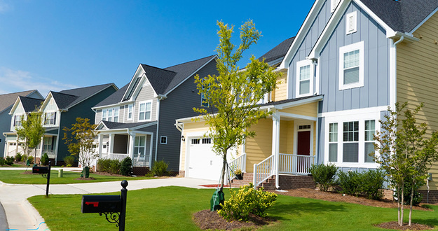 Sell Your House Faster With These Curb Appeal Tips