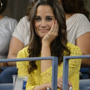 Pippa Middleton pinky ring