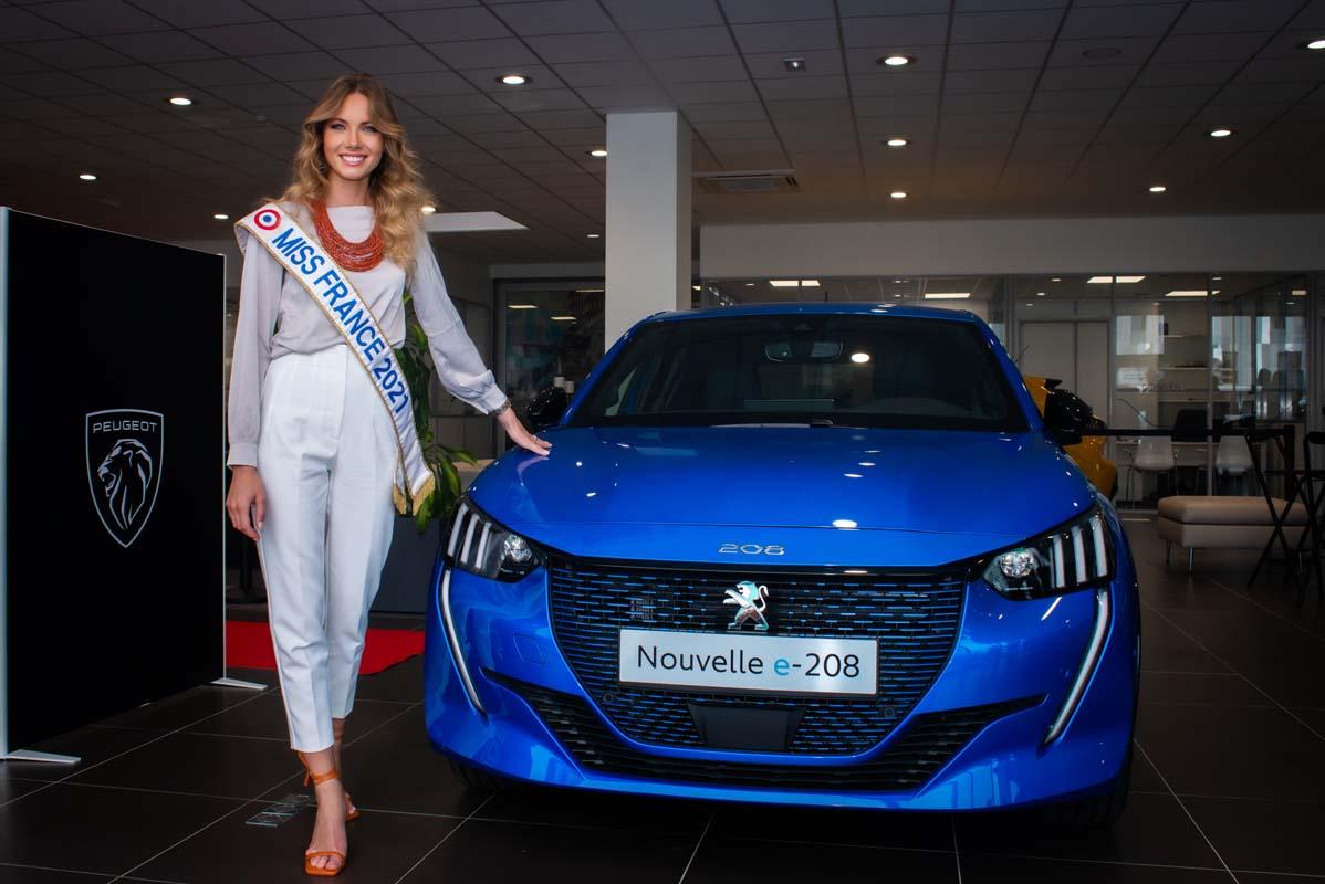 Miss France Drives A Peugeot E-208