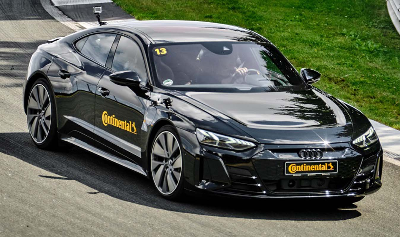 Continental Presents New SportContact 7 Tyre Line